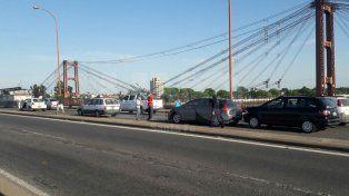 Accidente en el puente Oroño complicó el ingreso a Santa Fe