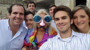 Se lookeó como Aníbal Fernández y se sacó una selfie
