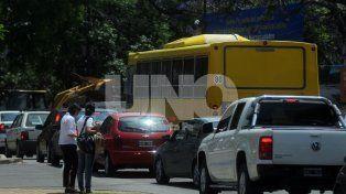 Preocupación por el caos vehicular en el micro y macrocentro santafesino en horarios picos