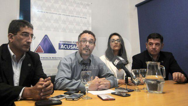 Explicaron la pesquisa. Los fiscales De Pedro y Nuzzo y los pesquisas de la PDI