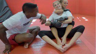 Actrices porno aprenden MMA y así les va