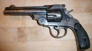 Similar. El arma que se le secuetró al hombre de 96 años.