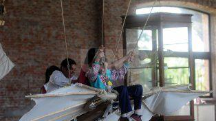 Escuelas primarias participaron de una demostración de aeromodelismo en La Redonda