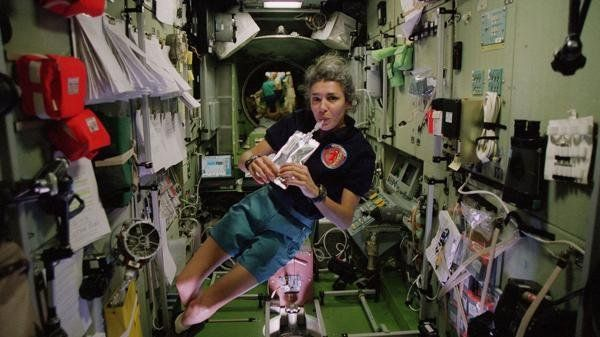 La verdad detrás de la astronauta francesa que alertó sobre alienígenas y luego intentó suicidarse