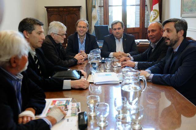Encuentro. Los líderes sindicales de UPCN y ATE tuvieron su primera reunión con funcionarios. Foto: Baialardo