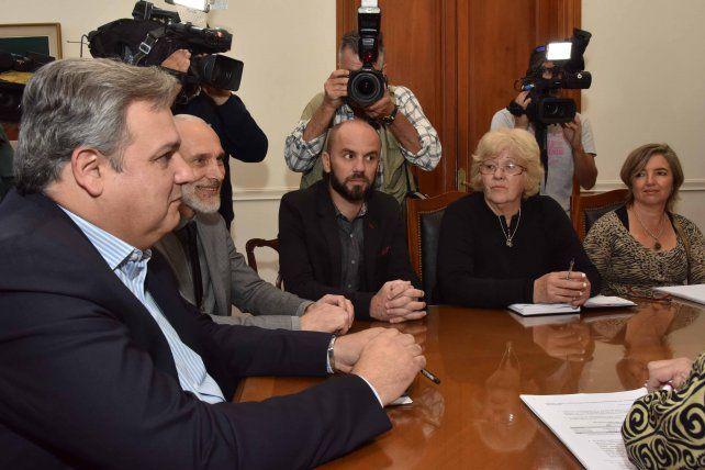 El Ministro Farías se reunió con los gremios docentes