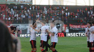El equipo dirigido por Paolo Montero intentará dar la sorpresa y terminar con el invicto de Estudiantes.