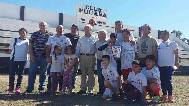 Cancha de fútbol 5, vestuarios y sanitarios para el club Pucará
