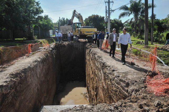 Barrio El Tránsito: avanzan las obras de pavimentación y desagües sobre calle Ayacucho