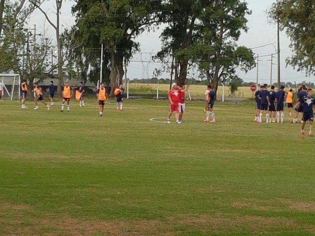 Eduardo Magnín se puso este lunes al frente del equipo de Reserva en su regreso a la institución