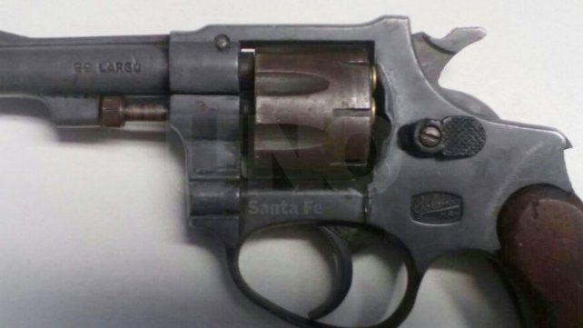 El arma secuestrada al delincuente que casi fue linchado por los vecinos del lugar