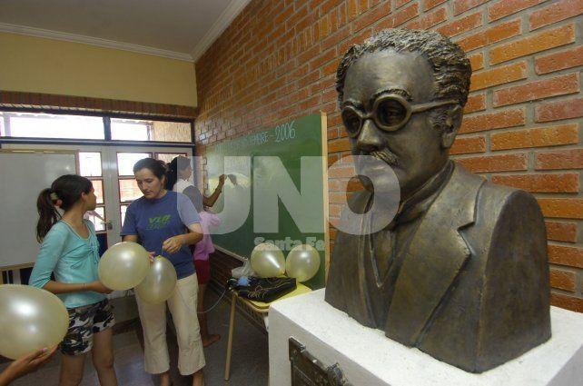 Maximio Victoria. Fue un reconocido pedagogo argentino.