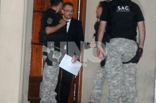 Con las pruebas en mano. El fiscal del caso Omar De Pedro.