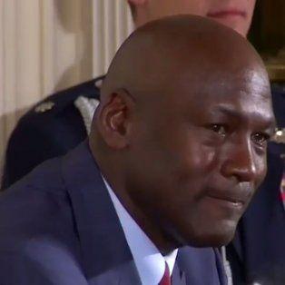 barack obama hizo llorar a michael jordan y hasta lo cargo