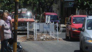 no duro ni un dia: assa rompio una calle a horas de su repavimentacion
