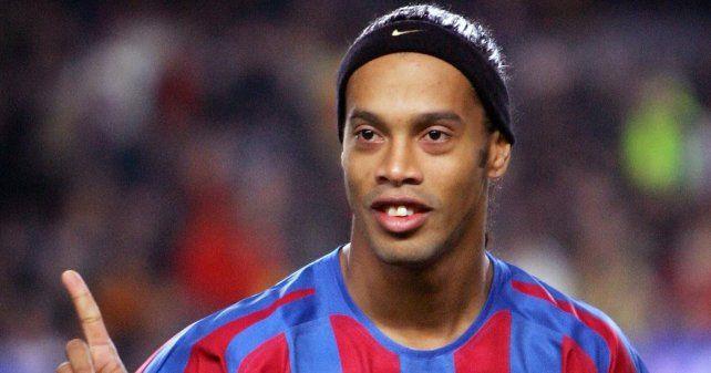 ¿Ronaldinho puede jugar en Gimnasia de La Plata?
