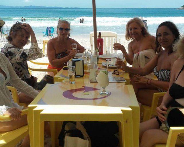 Una fiscal pidió licencia por enfermedad, se fue a Brasil y subió las fotos del viaje a Facebook