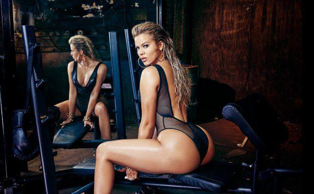 Las hermanas Kardashian posan desnudas