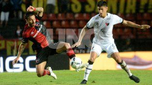 Con un gol de Maxi Rodríguez sobre el cierre del partido, Newells venció 2 a 1 a Colón