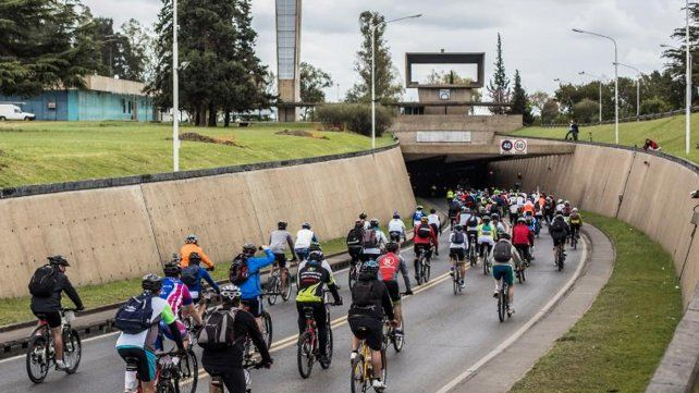 Este domingo se realiza la quinta edición del Cruce del Túnel Subfluvial