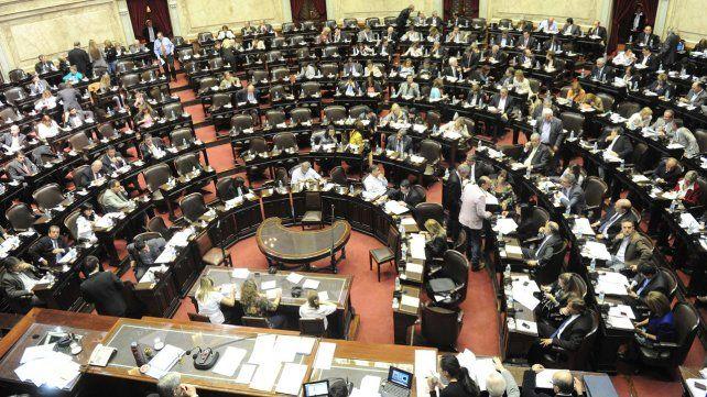 Lanzan una aplicación para celulares que permite controlar a diputados y senadores