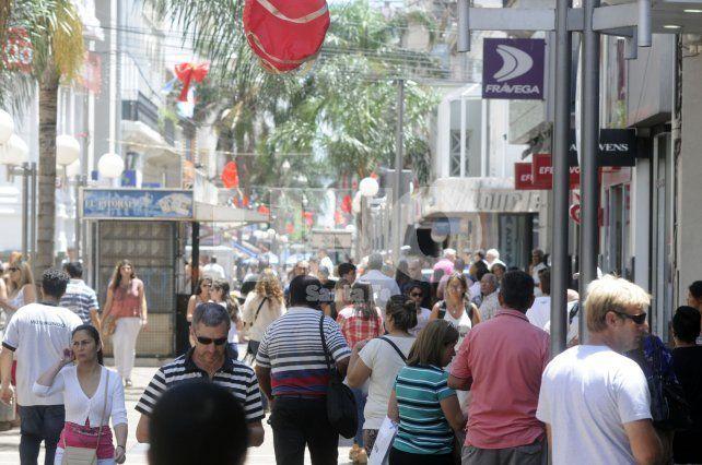 Feriado de noviembre: fluido movimiento turístico pero las ventas cayeron 5%