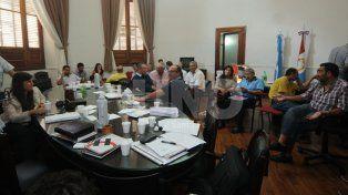 Los municipales esperan una propuesta concreta de intendentes
