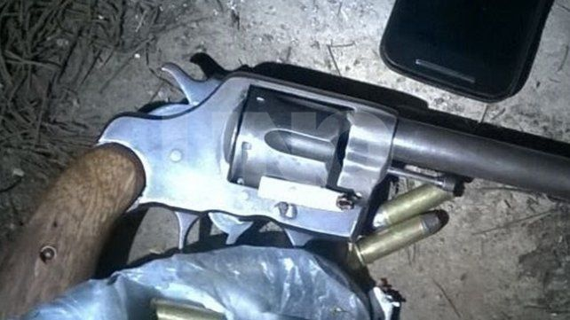 Un revolver calibre 38 cargado