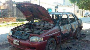 Terminó con quemadura al intentar el incendio intencional de su auto