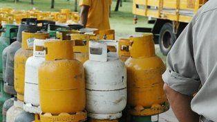 este lunes continua la venta de garrafas de gas a precio diferencial