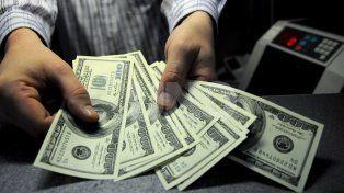 No para: en las casas de cambio de Santa Fe el dólar alcanzó los $19