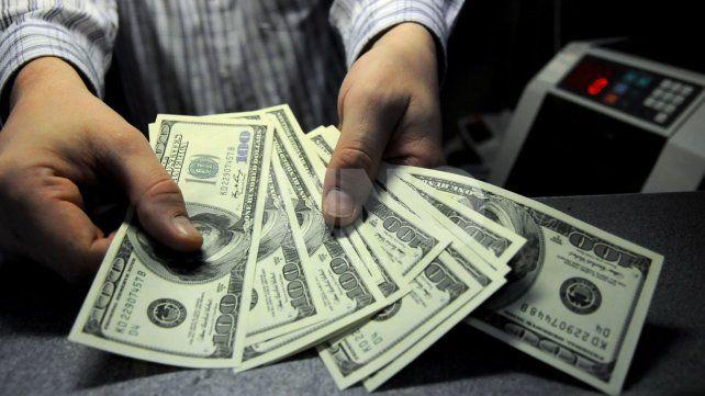 Récord histórico: el dólar en Santa Fe llegó a $24,60