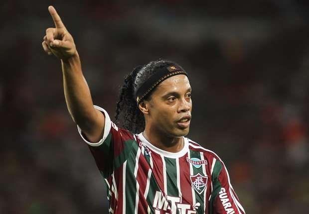 ¿Lo convencerán? Se lanzó la campaña #RonaldinhoNaChape