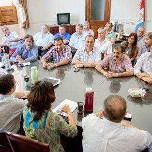 un bono similar al de la provincia no alcanzo y los municipales paran