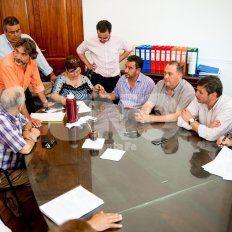 Acuerdo. Este sábado, a las 15.30, Festram y los representantes de municipios y comunas firmaron el acta paritaria.