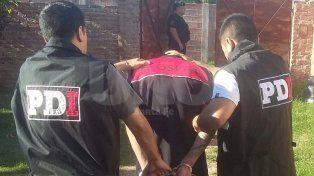 Detuvieron a un presunto asesino y secuestraron drogas en un allanamiento