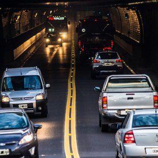 record en el tunel subfluvial: mas de 46.000 vehiculos transitaron durante el fin de semana