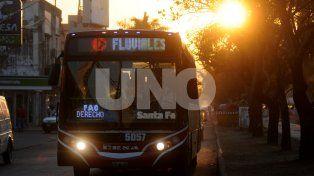 Estudiantes impulsan petición online para mejorar el transporte entre Santa Fe y Paraná