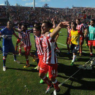 El 23 de abril los rojiblancos obtuvieron uno de los triunfos más festejados como local al doblegar 1-0 a Colón con gol del mendocino Gamba.
