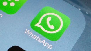 WhatsApp ya permite buscar GIFs directamente desde la app