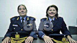Mónica Viviani y Stella Núñez. Dejaron atrás los estereotipos, se formaron y abrieron camino para muchas mujeres que encontraron su vocación en la Policía de la provincia de Santa Fe.