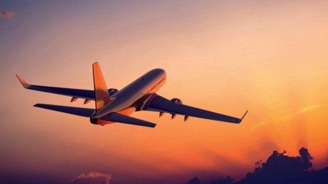 Un avión viajó en el tiempo:  partió en 2017 y aterrizó en el 2016