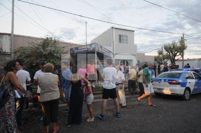 Más de cien personas se manifestaron frente a una empresa de turismo por presuntos incumplimientos