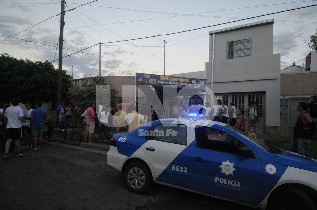 Hubo protestas y arrestos en una agencia de viajes de la ciudad