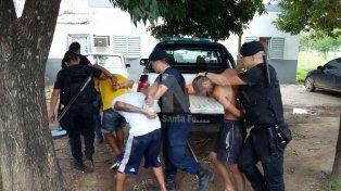 B° La Acería: aprehendieron a cuatro violentos delincuentes y les secuestraron tres tumberas