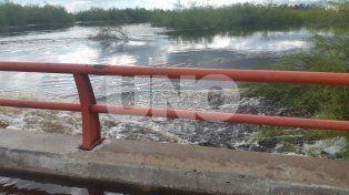 las impactantes imagenes del arroyo colastine sobre la autopista rosario - santa fe