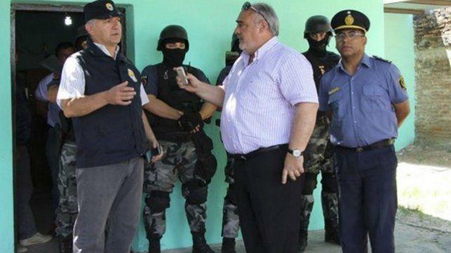 Inician una causa penal al gobernador de Corrientes por los allanamientos realizados por policía de Santa Fe
