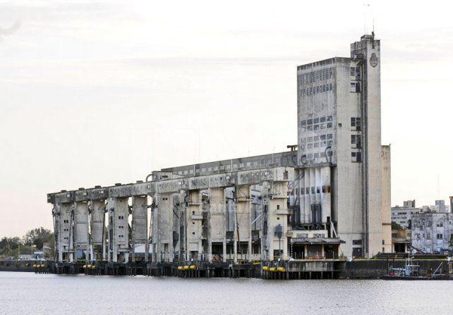 Lamberto solicitó un informe al Ente Autárquico del Puerto de Santa Fe por la designación del director obrero en el Consejo Directivo