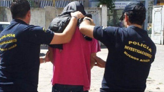 Se dejó violar para que no degollaran a sus hijitos: los nenes presenciaron todo