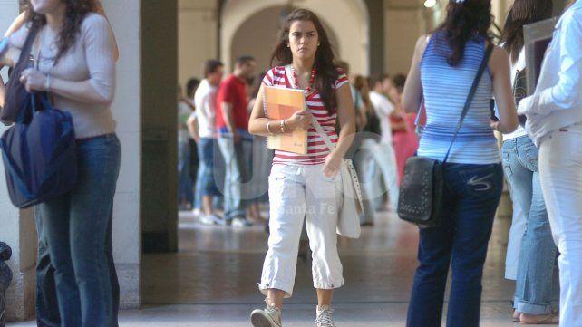 Este año, estudiar en Santa Fe costará cerca de 10.000 pesos